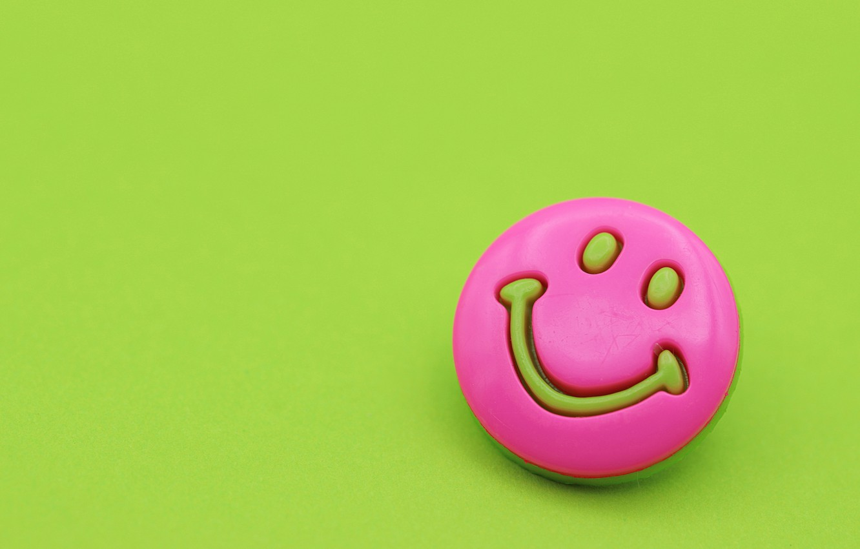 Фото обои улыбка, фон, настроение, розовый, смайлик