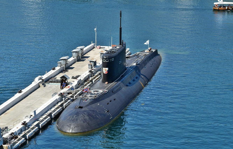 Фото обои море, мост, подводная лодка