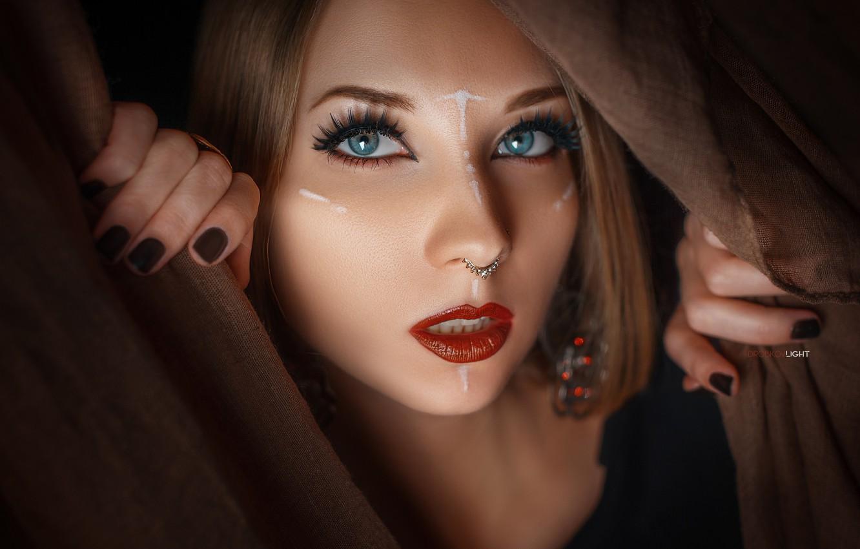 Картинки девушки с губками