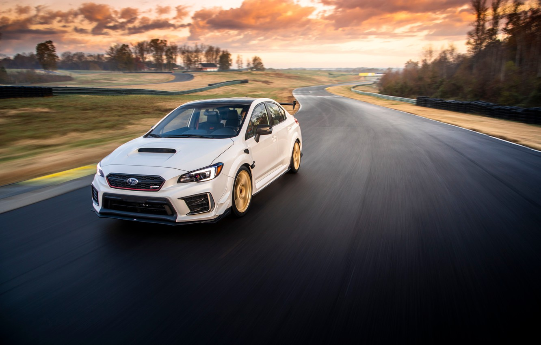 Фото обои дорога, машина, небо, асфальт, солнце, облака, свет, Деревья, Subaru, диски, трек, WRX STI, спортивный седан, …