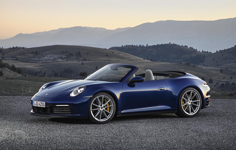 Фото обои горы, синий, 911, Porsche, кабриолет, Cabriolet, Carrera 4S, 992, 2019