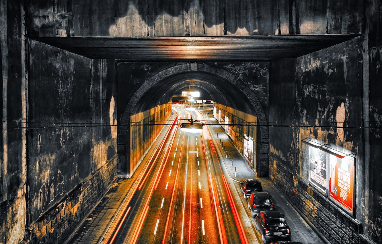 Фото обои Essen, central station, traffic inferno