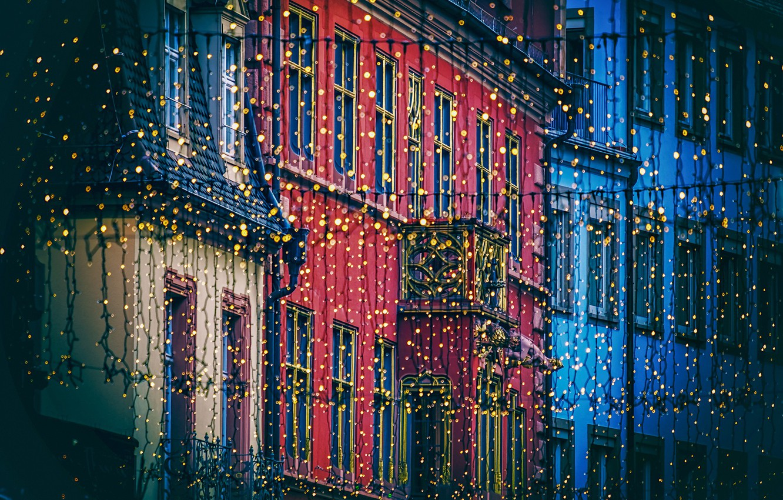 Фото обои свет, город, огни, улица, здания, дома, лампочки