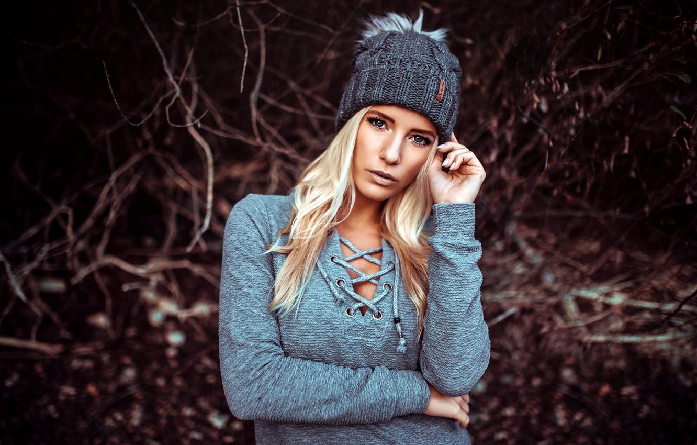 Фото обои взгляд, природа, поза, фон, модель, шапка, портрет, макияж, прическа, блондинка, боке, Heiko Klingele, Maritta