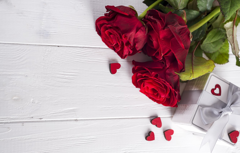 Фото обои цветы, подарок, розы, букет, сердечки, красные, red, love, flowers, romantic, hearts, chocolate, valentine's day, roses, …