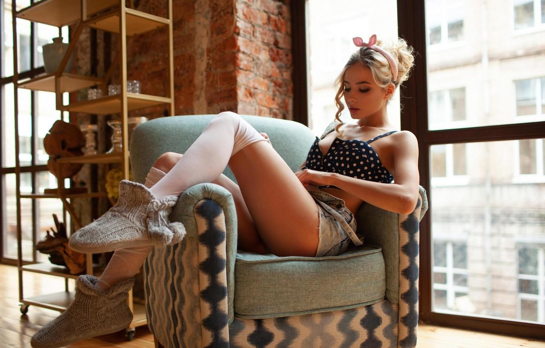 Фото обои Девушка, кресло, Шорты, окно, StasyQ, Катерина Ширяева