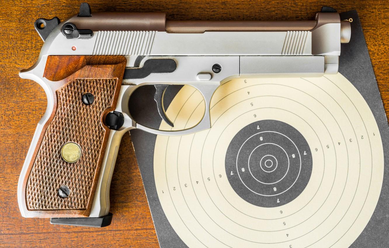 Фото обои крупный план, пистолет, мишень