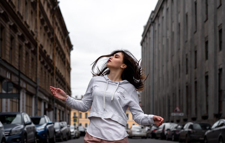 Фото обои девушка, улица, танец