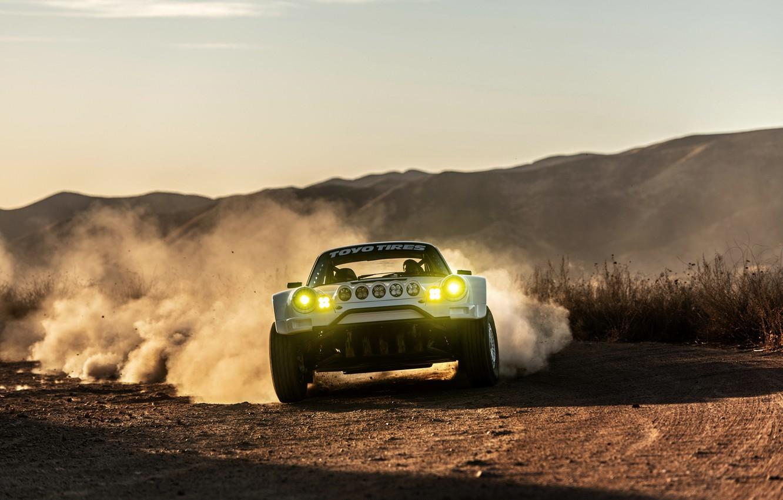 Фото обои свет, движение, пыль, 911, Porsche, 964, грунтовка, 2019, 911 Baja Prototype, Russell Built Fabrication