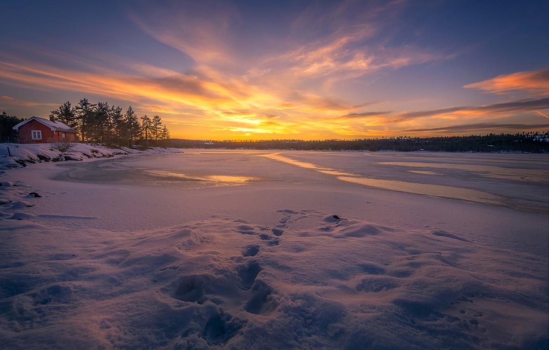 Фото обои зима, снег, закат, следы, озеро, лёд, Норвегия, домик, Norway, Рингерике, Ringerike