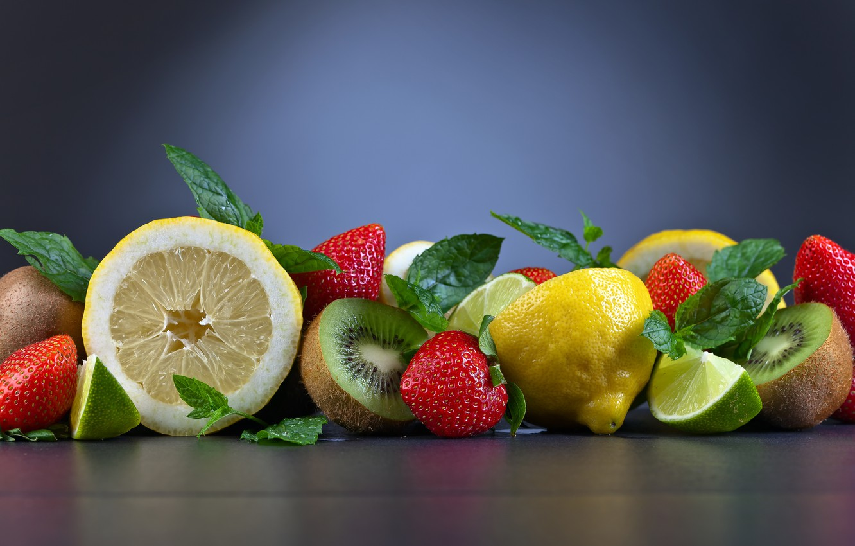 Фото обои лимон, киви, клубника, лайм, фрукты