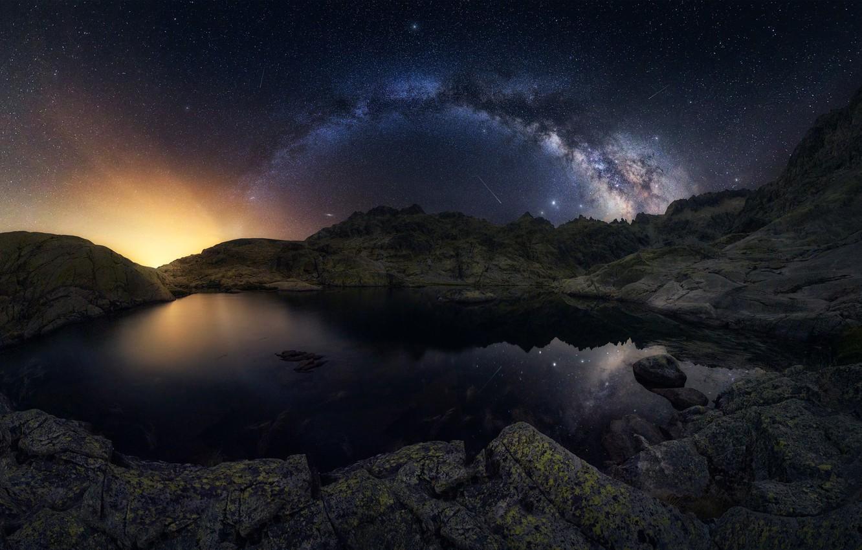 Фото обои горы, озеро, отражение, метеор, Млечный Путь, mountains, lake, reflection, milky way, meteor, Antonio Prado Pérez