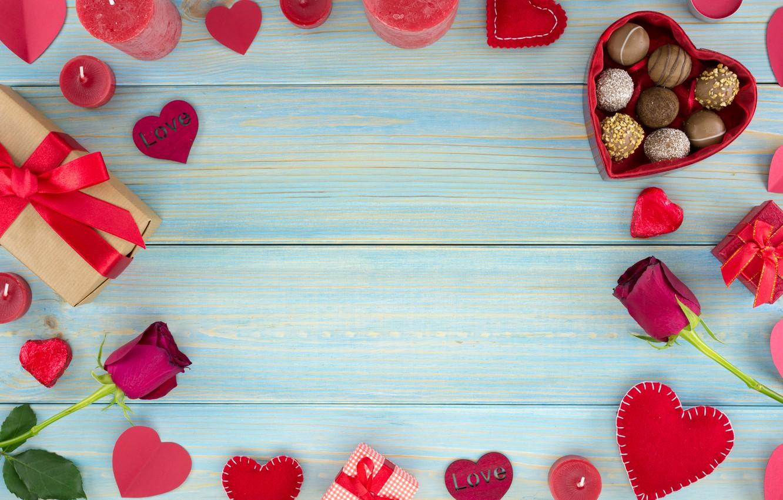 Фото обои подарок, шоколад, розы, конфеты, сердечки, красные, red, love, wood, flowers, romantic, hearts, chocolate, valentine's day, …