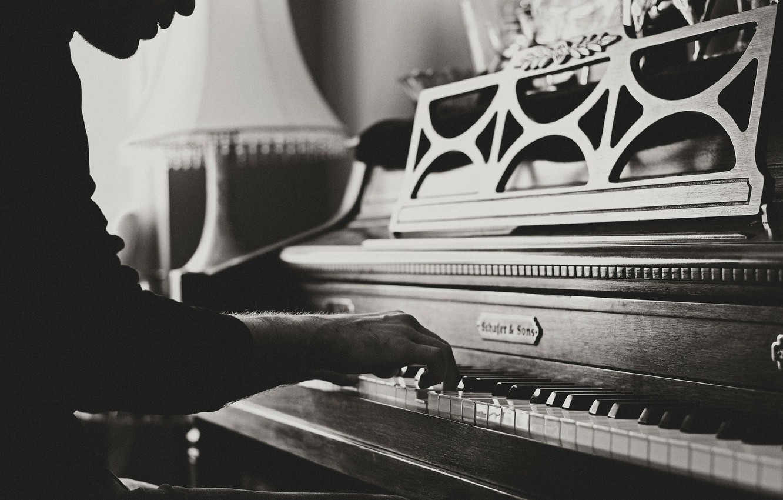Фото обои рука, пианино, играет