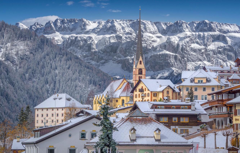 Фото обои зима, горы, здания, дома, Италия, церковь, Italy, Доломитовые Альпы, Dolomites, Santa Cristina Valgardena, Санта-Кристина-Вальгардена