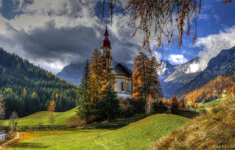 Фото обои лес, солнце, Австрия, церковь, Obernberg am Brenner, Tribulaune