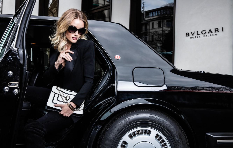 Фото обои машина, модель, очки, автомобиль, Rosie Huntington-Whiteley