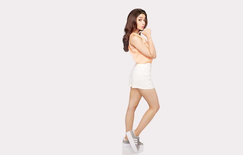 Фото обои girl, hot, sexy, legs, beautiful, figure, model, brunette, pose, indian, actress, celebrity, bollywood, Alia bhatt
