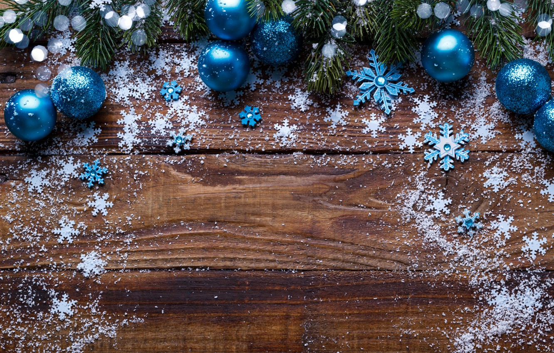 Фото обои снег, снежинки, шары, елка, Новый Год, Рождество, Christmas, balls, wood, blue, snow, New Year, snowflakes, …