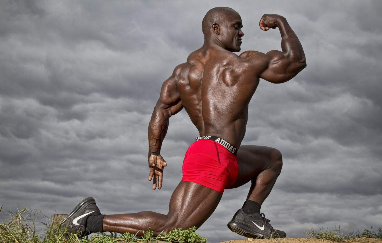 men-pose-bodybuilder.jpg (1332×850)