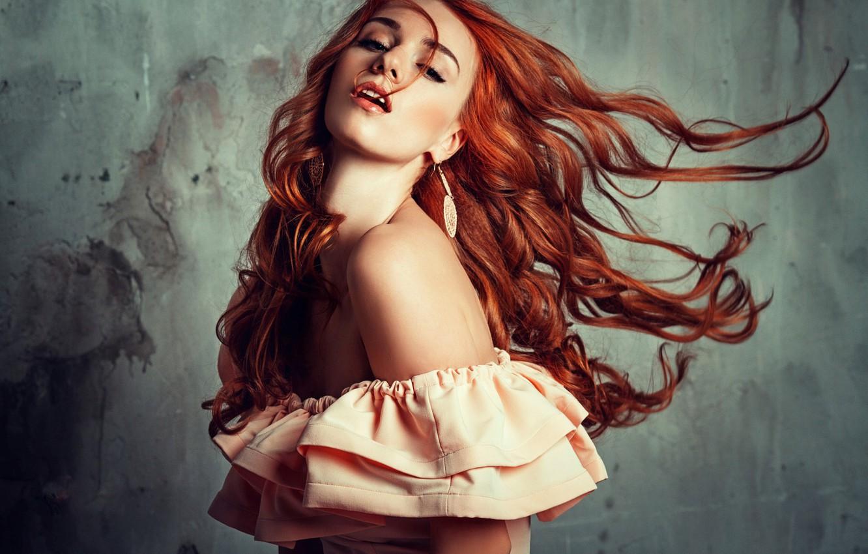 Фото обои девушка, лицо, поза, волосы, рыжая, красотка, плечо, Liliya Nazarova