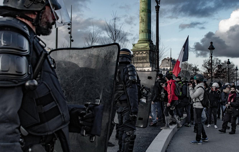 Фото обои город, улица, полиция, протест