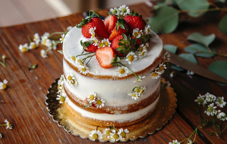 Фото обои листья, цветы, стол, еда, ромашки, клубника, торт, фрукты, десерт, сладкое
