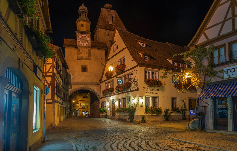 Фото обои улица, здания, дома, ворота, Германия, Бавария, ночной город, мостовая, Germany, Bavaria, Rothenburg, Ротенбург
