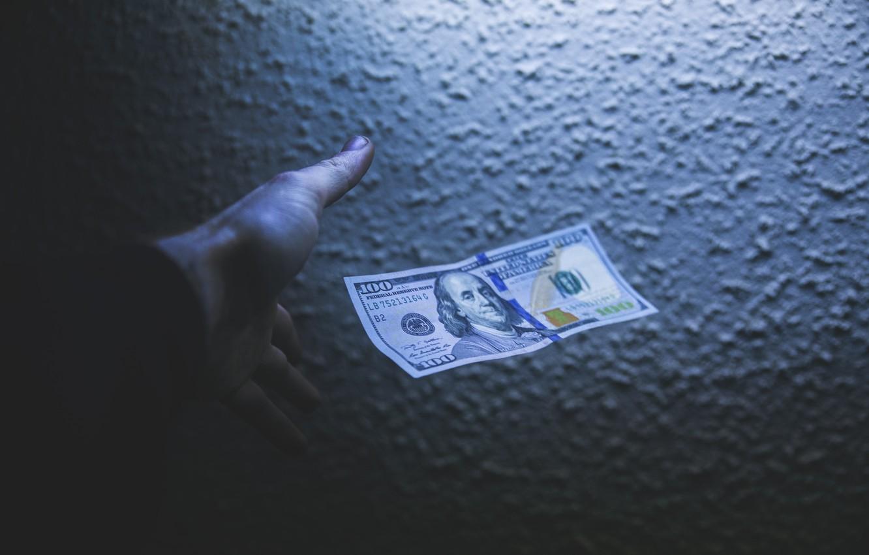 Фото обои Green, Benjamin Franklin, Dollar, Shadow, Money, 100, Hand