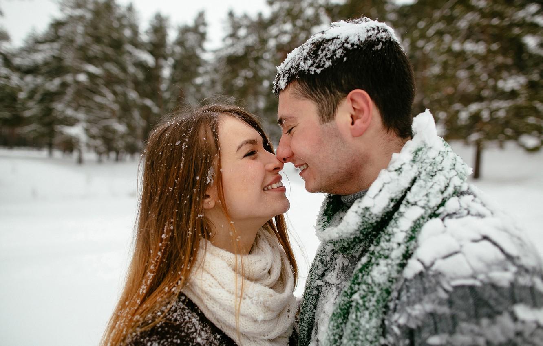 дома нету фото снег и поцелуй того
