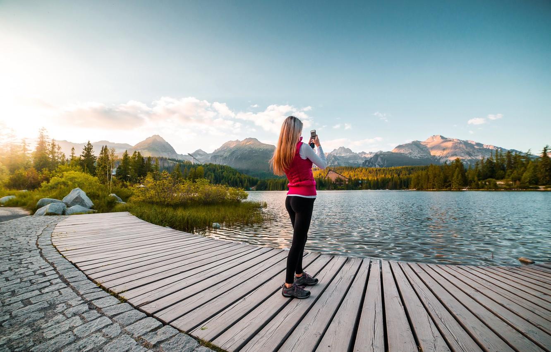 Фото обои девушка, пейзаж, съемка, смартфон