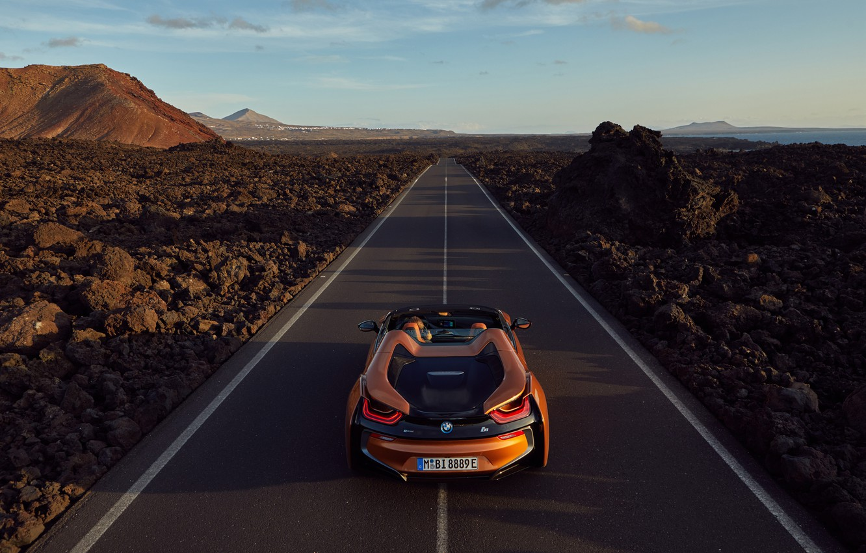 Фото обои Roadster, вид сзади, 2018, BMW i8