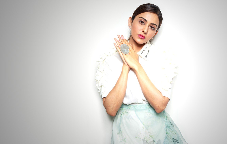 Фото обои girl, hot, sexy, beautiful, figure, model, brunette, pose, indian, actress, celebrity, bollywood, Rakul preet singh
