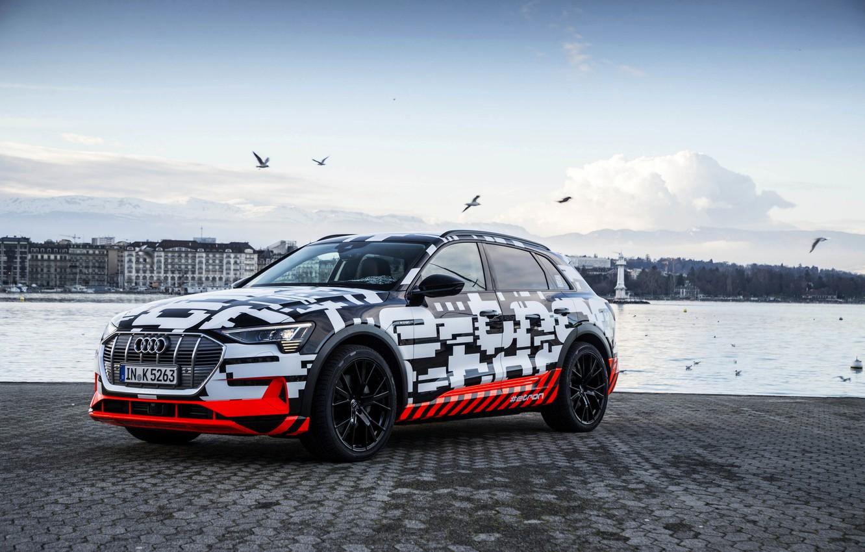 Фото обои Audi, берег, брусчатка, 2018, E-Tron Prototype
