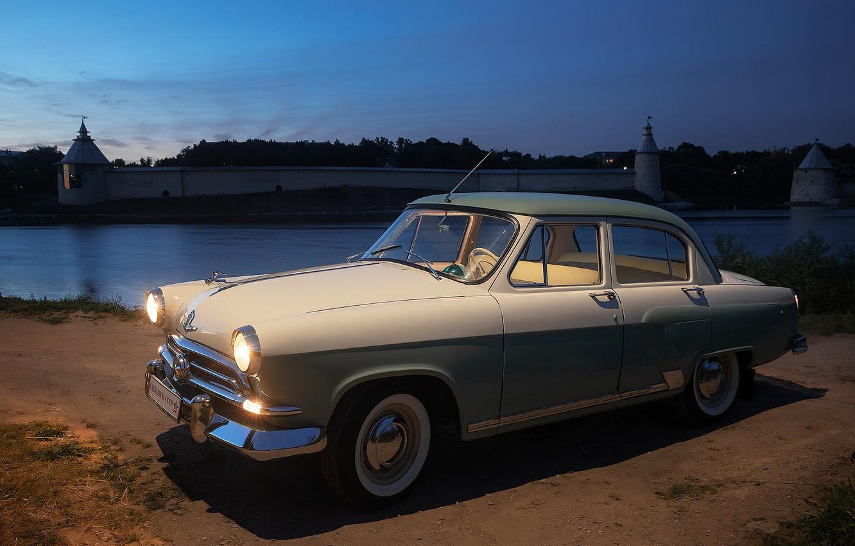 Фото обои машина, ночь, город, ретро, река, автомобиль, Волга, Псков, Волга Газ-21, Газ-21