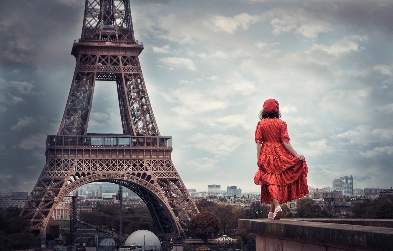 Фото обои девушка, настроение, Франция, Париж, ситуация, платье, панорама, Эйфелева башня, в красном, берет
