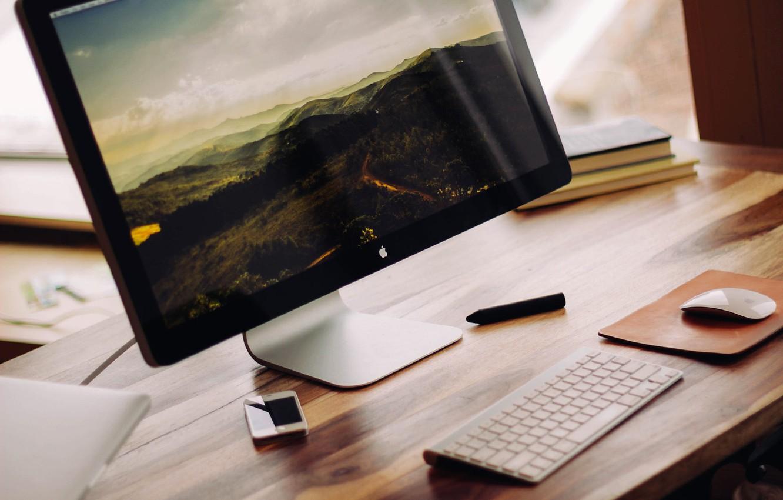 Фото обои стол, книги, apple, мышь, клавиатура, монитор, iphone, imac