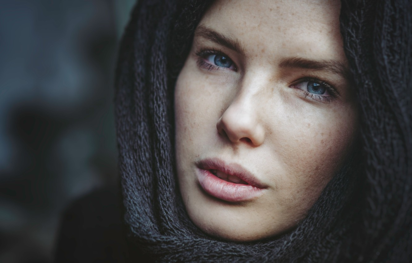 Фото обои girl, blue eyes, beauty, face, scarf, Martin Tim