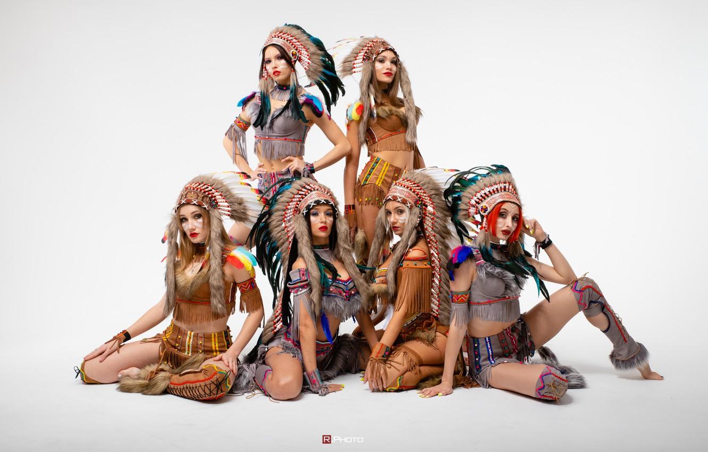 Фото обои девушки, светлый фон, костюмы, позы, Виталий Рычков