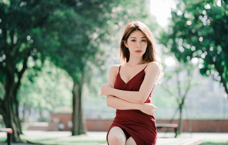 Фото обои взгляд, девушка, платье, азиатка, бёдра, боке