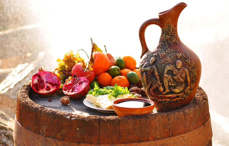 Фото обои сыр, виноград, кувшин, фрукты, орехи, гранат, мандарин, хурма