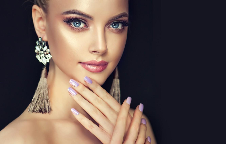 Фото обои девушка, лицо, стиль, портрет, красота, серьги, руки, макияж, прическа, girl, черный фон, Beautiful, style, model, ...