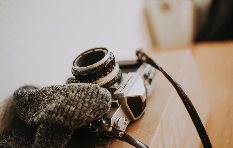 Фото обои коробка, фотоаппарат, ремень, Anete Lusina, nikkormat
