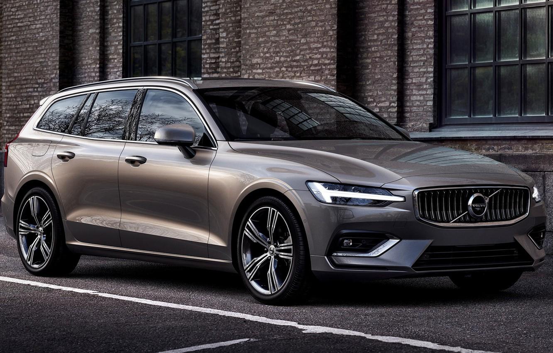 Фото обои car, машина, асфальт, город, стена, фары, Volvo, диски, сбоку, универсал, V60, серый автомобиль, Volvo V60, …