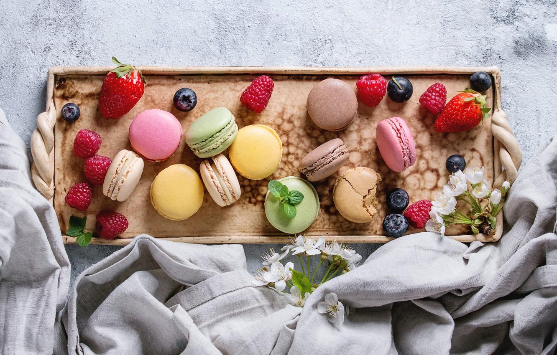 Фото обои ягоды, colorful, клубника, fruit, strawberry, berries, macaroons, macaron, макаруны