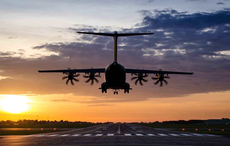 Фото обои аэропорт, самолёт, A400M Atlas