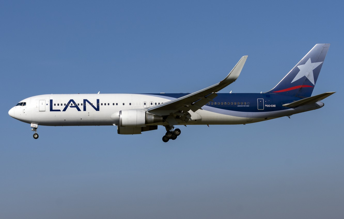 Фото обои Boeing, 767-300W, LATAM Airlines Chile