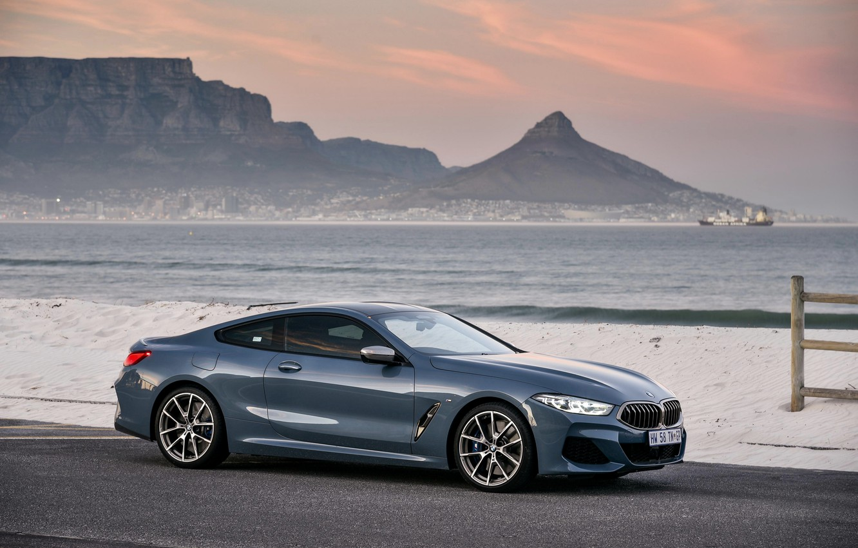 Фото обои волны, скалы, купе, BMW, 2018, 8-Series, 2019, бледно-синий, M850i xDrive, 8er, G15