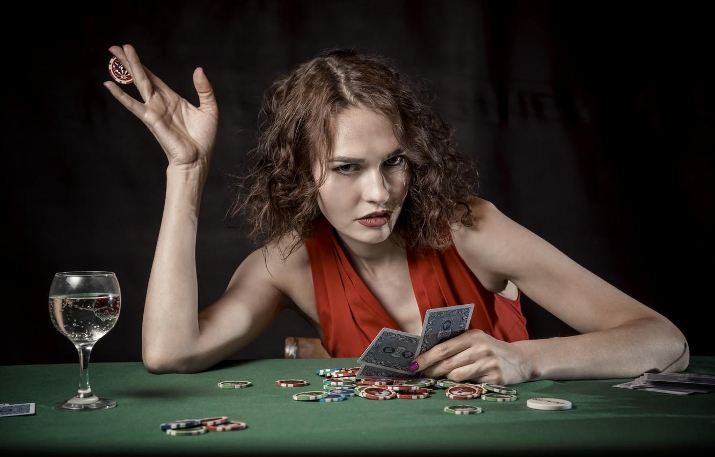 Фото обои карты, девушка, вино, игра