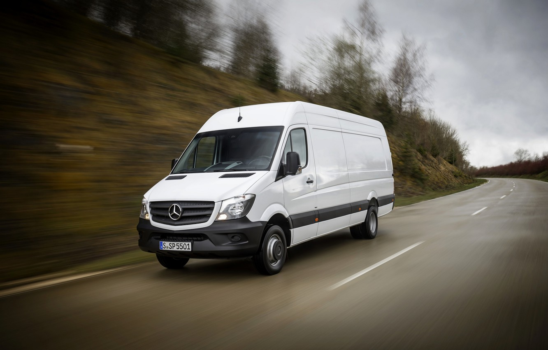 Фото обои дорога, белый, Mercedes-Benz, скорость, фургон, Sprinter, 2016